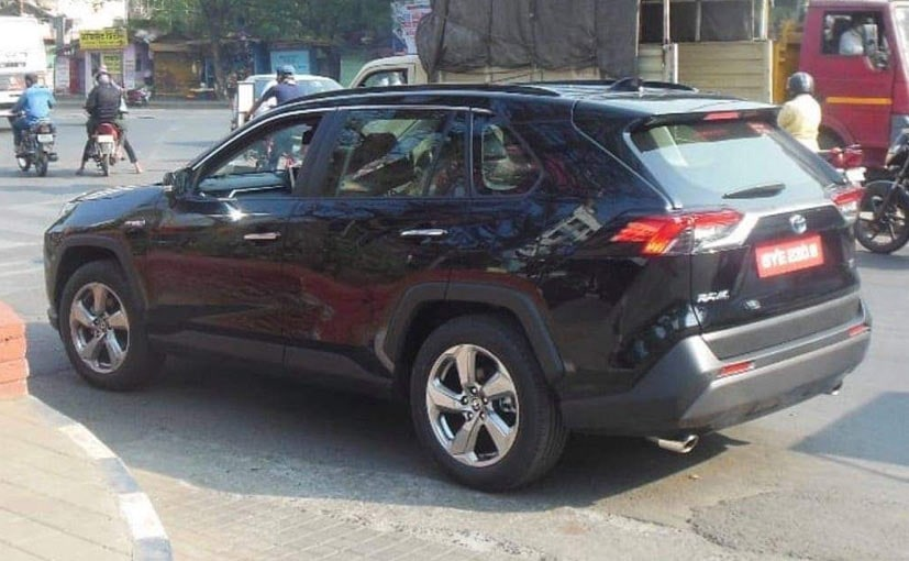 Toyota RAV4 Spotted Testing In India