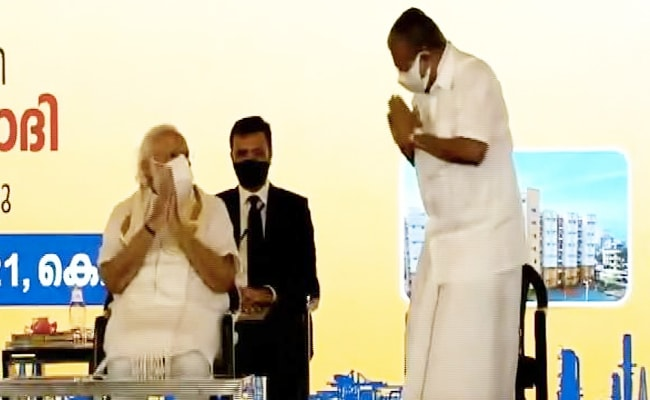 PM Modi, Kerala Chief Minister Share Namastes At Event Before Elections