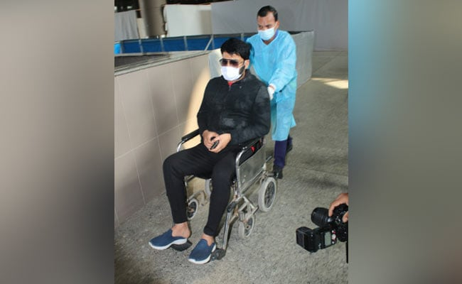 After Pics Of Wheelchair-Bound Kapil Sharma Go Viral, Fans Wish Him A Speedy Recovery