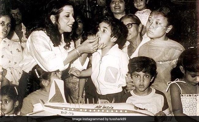 In Tusshar Kapoor's Throwback Pic, Hrithik Roshan Takes The Cake