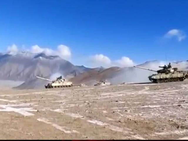 Video : Watch: First Video Of Indian, Chinese Tanks Disengaging In Ladakh