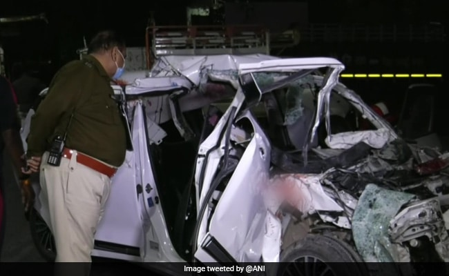 6 Killed After Speeding Car Hits Tanker In Indore