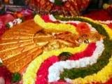 Video : KCR's Lavish Birthday Celebration With 2.5 Kg Gold Saree, 3D Film On Life