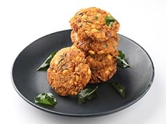 How To Make Crispy And Spicy Gobhi Dal Vada - A Perfect Tea-Time Snack