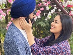 """Singer Harshdeep Kaur And Husband Mankeet Singh Are Expecting Their First Child: """"So Excited To Meet This Little Baby"""""""