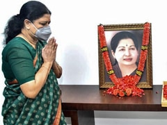 """As Amma Wished, AIADMK Should Contest Polls With Us"": VK Sasikala"