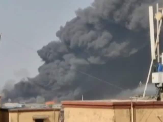 Video : देश प्रदेश: मुंबई के मानखुर्द में कबाड़ गोदाम में भीषण आग, कोई हताहत नहीं