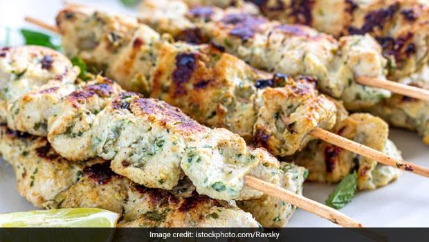 Love Chicken? Make Yummy Creamy Garlic Chicken To Amp Up Your Dinner Table