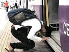 Viral Pic Shows Man Bowing Before Mumbai Local Train. Anand Mahindra Says...