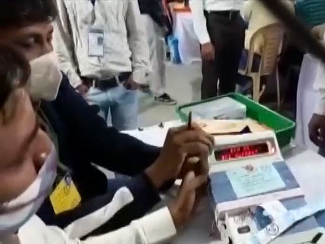 Video : BJP Heads For Big Win In Gujarat Urban Civic Body Polls
