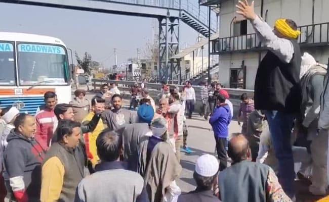 Farmers Block Key Freeway In Haryana Throughout Chakka Jam, Delhi On Excessive Alert