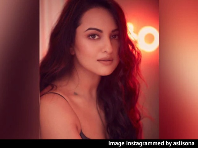 Video : As Celebs Follow Government Cue On Farmers, Sonakshi Sinha Says No