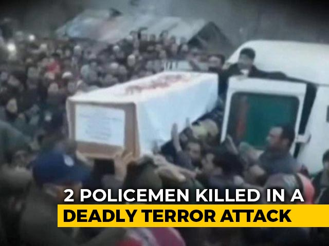 Video : In Jammu And Kashmir, Thousands Pay Last Respect To Cops Killed In Line Of Duty