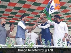 Trinamool's Cricketer Candidate Manoj Tiwary Faces Tough Pitch In Bengal's Shibpur