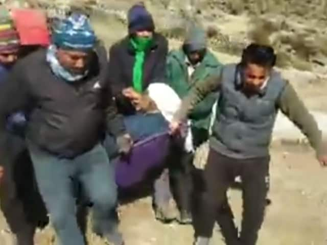 Video : Watch: Unwell Woman Airlifted From Uttarakhand Disaster Site