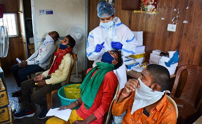 Coronavirus India Updates: संक्रमण के 18,711 नए मामले आए सामने, 100 और लोगों की मौत