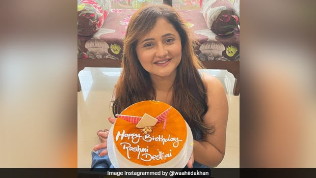 Rashami Desai Celebrates Birthday In Mumbai With Two Delicious Cakes! (See Pics)