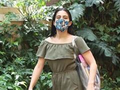Sara Ali Khan's Reply To A Paparazzo Who Asked Her To Remove The Mask