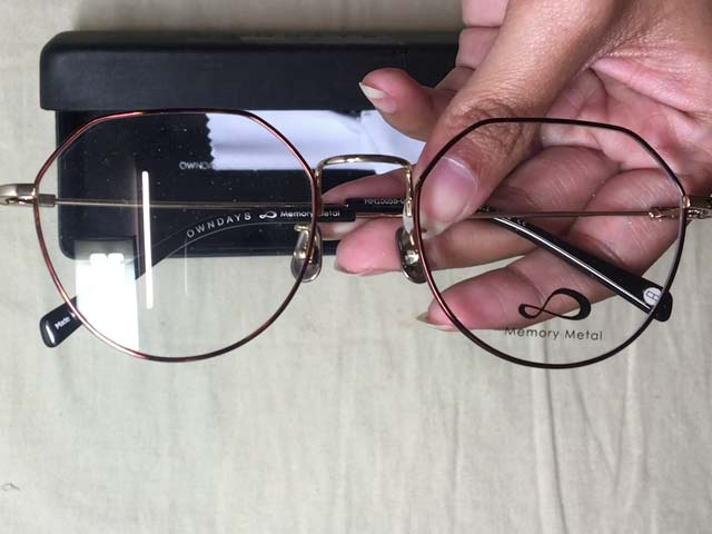 Video : Fashion Review: Round Frame Spectacles From Owndays