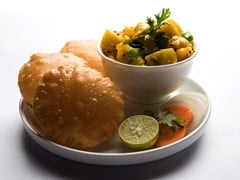 Make Agra's Famous Street Food - Bedai-Kaddu Sabzi - At Home With This Recipe