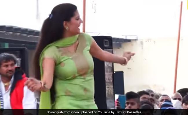 Sapna Choudhary ने हरियाणवी सॉन्ग पर किया जोरदार डांस, बार-बार देखा जा रहा देसी क्वीन का Video