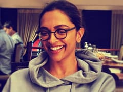 This Pic Reminded Ranveer Singh Of A Popular Character Played By Deepika Padukone. Any Guesses?