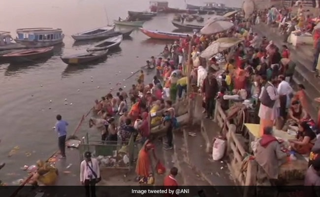 Kumbh 2021: कुंभ मेले पर कोरोना का असर, मुख्य स्नान के पर्वों पर ज्यादा भीड़ की संभावना नहीं: अधिकारी