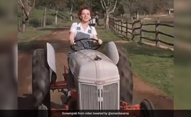 किसानों के समर्थन में उतरीं अमांडा सर्नी का ट्वीट फिर हुआ Viral, बोलीं- आज कुछ खाते हो तो...