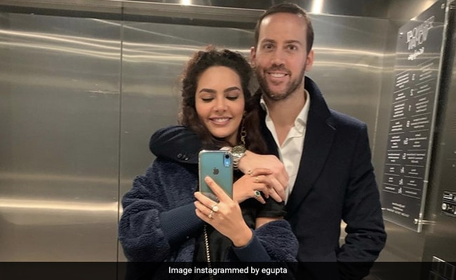 Esha Gupta Wished Boyfriend Manuel Campos Guallar On Birthday With A Loved Up Pic - NDTV