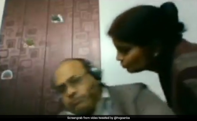 Viral Video: Woman Tries To Kiss Husband During Zoom Call, His Reaction Divides Viewers