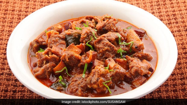 Gosht Ka Salan Recipe: This Hyderabadi-Style Mutton Curry Will Leave You Drooling