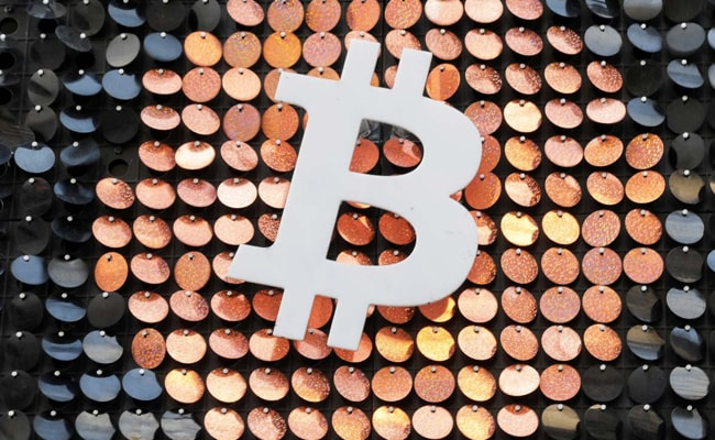Bitcoin Crosses $50,000 In Historic Win, Gains Further Mainstream Acceptance: 10 Points