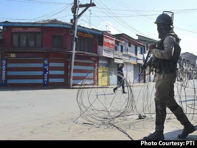 Video : Srinagar Restaurant Owner's Son Dies Days After Being Shot By Terrorists