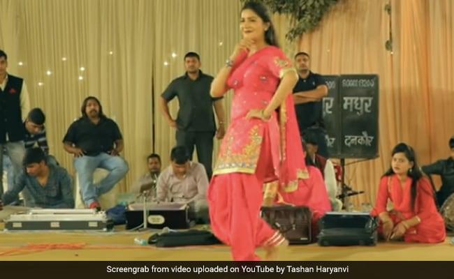 सपना चौधरी ने 'रोटियां के टोटे' हरियाणवी सॉन्ग पर यूं किया डांस, Video 2 करोड़ के करीब
