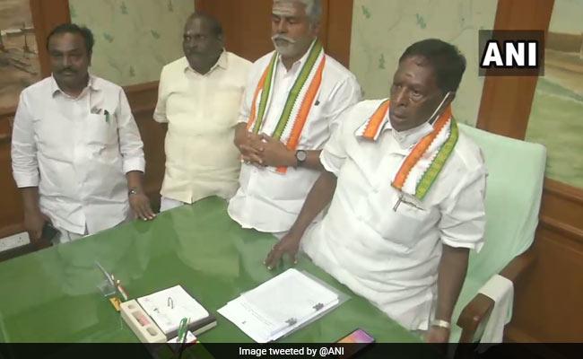 Puducherry Floor Test Updates: पुडुचेरी के मुख्यमंत्री वी. नारायणसामी के विधानसभा में विश्वास मत खोने के बाद सरकार गिरी