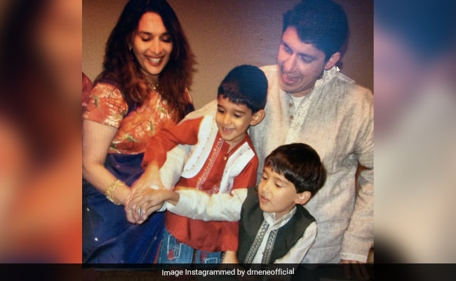 Throwback Thursday: Madhuri Dixit In A Good Pic With Her Household