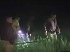 यूपी: बदमाशों ने सिपाही की हत्या की, दारोगा को पीटकर किया घायल, फोरेंसिक टीम कर रही जांच