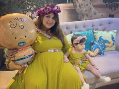 A Throwback Pic From Ginni Chatrath's Pregnancy, With Daughter Anayra By Her Side