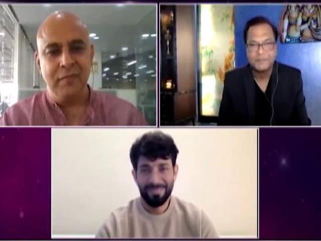 Videos : स्पॉटलाइट : अप्रैल में बड़े बजट की फिल्में होंगी रिलीज, NDTV से बोले PVR के CEO