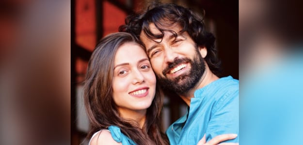 TV Actor Nakuul Mehta Helps Wife Jankee Parekh Cook This Famous Dish; Guess What