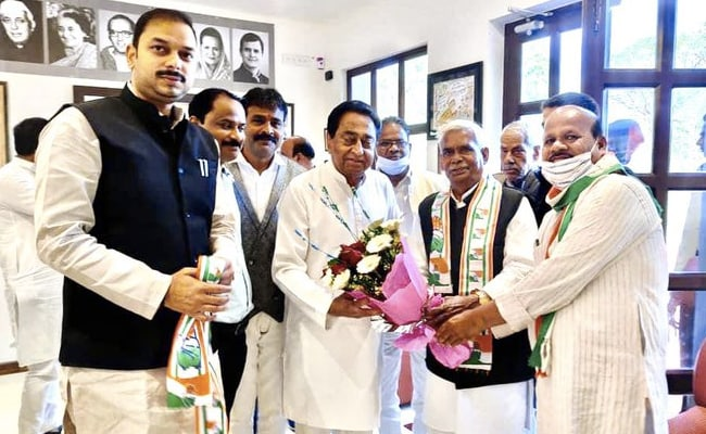 Madhya Pradesh: गोडसे समर्थक की कांग्रेस में एंट्री पर तकरार, दिग्विजय बोले- 'हम शर्मिंदा हैं'