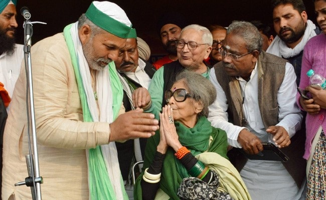 Mahatma Gandhi's Granddaughter Visits Farmers' Protest Web site In Ghazipur