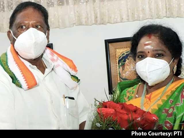 Video : Puducherry Congress Crisis Deepens As 2 MLAs Quit Day Before Floor Test