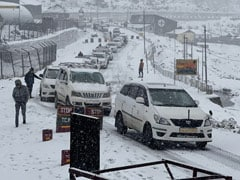 Army Rescues Tourists Stuck Due To Snowfall Near China Border In Sikkim