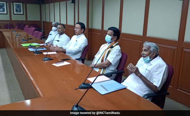 DMK, Congress Hold Seat-Sharing Talks