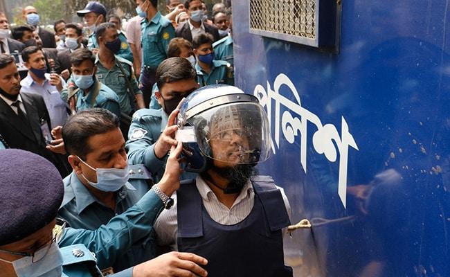 Bangladesh Court Sentences 5 To Death For Killing US Blogger Avijit Roy
