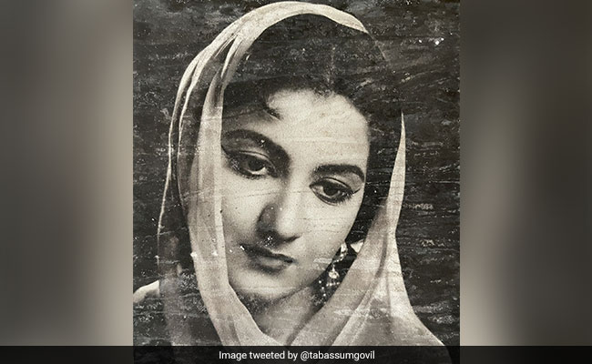 Woman Finds Vintage Bollywood Photos, Tabassum Responds To Her Pic