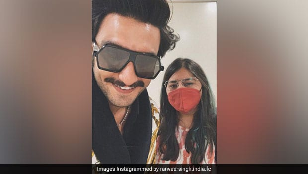 Watch: Ranveer Singh Joins The 'Pawri Hori Hai' Trend With Gajar Ka Halwa