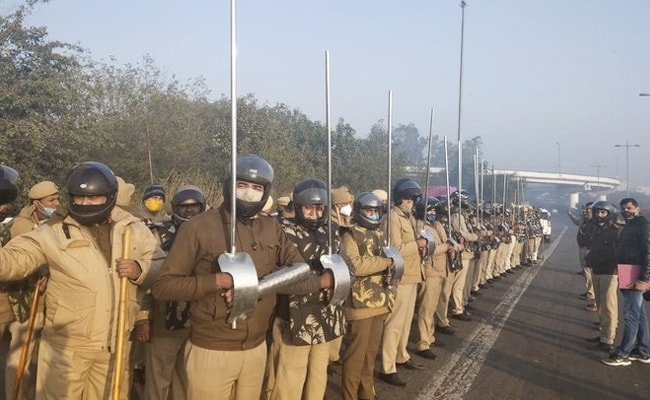 Metal Rods With Hand Protectors: Delhi Police Seen With New Armour