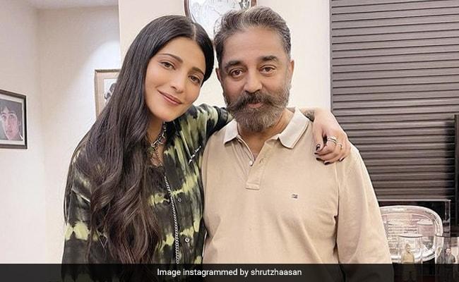"Shruti Meets Father Kamal Haasan ""After Ages."" See Viral Pics"